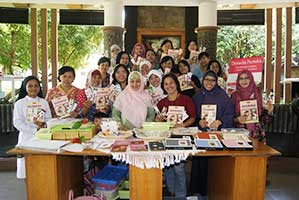Kelas Kreatif: Pembatas Buku Cantik dari Oshibana